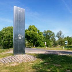 Kienitz bridge head memorial
