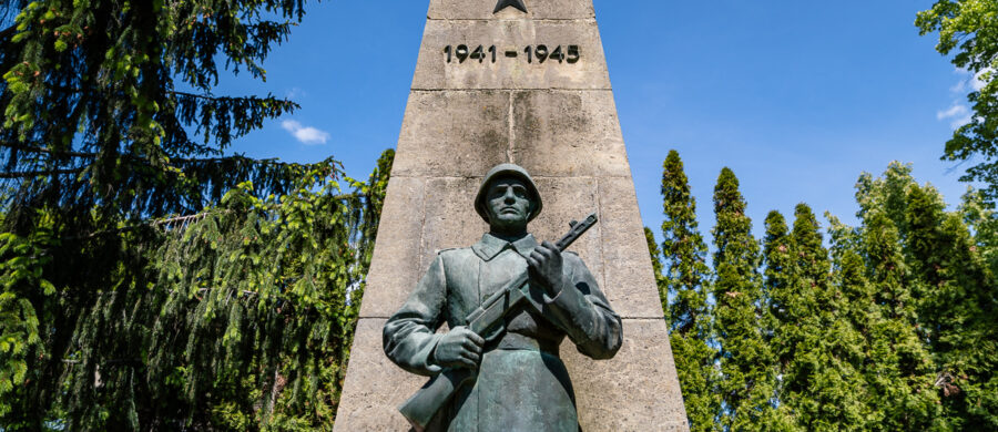 Statue des sowjetischen Ehrenmals Manschnow