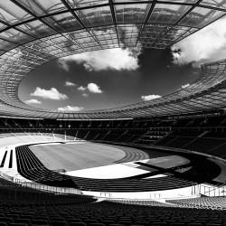 Berlin Olympiastadion diagonal