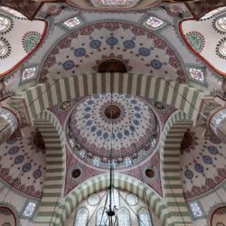 Kuppel der Mihrimah Sultan Moschee (Mihrimah Camii, auch Edirnekapı Camii) in Istanbul